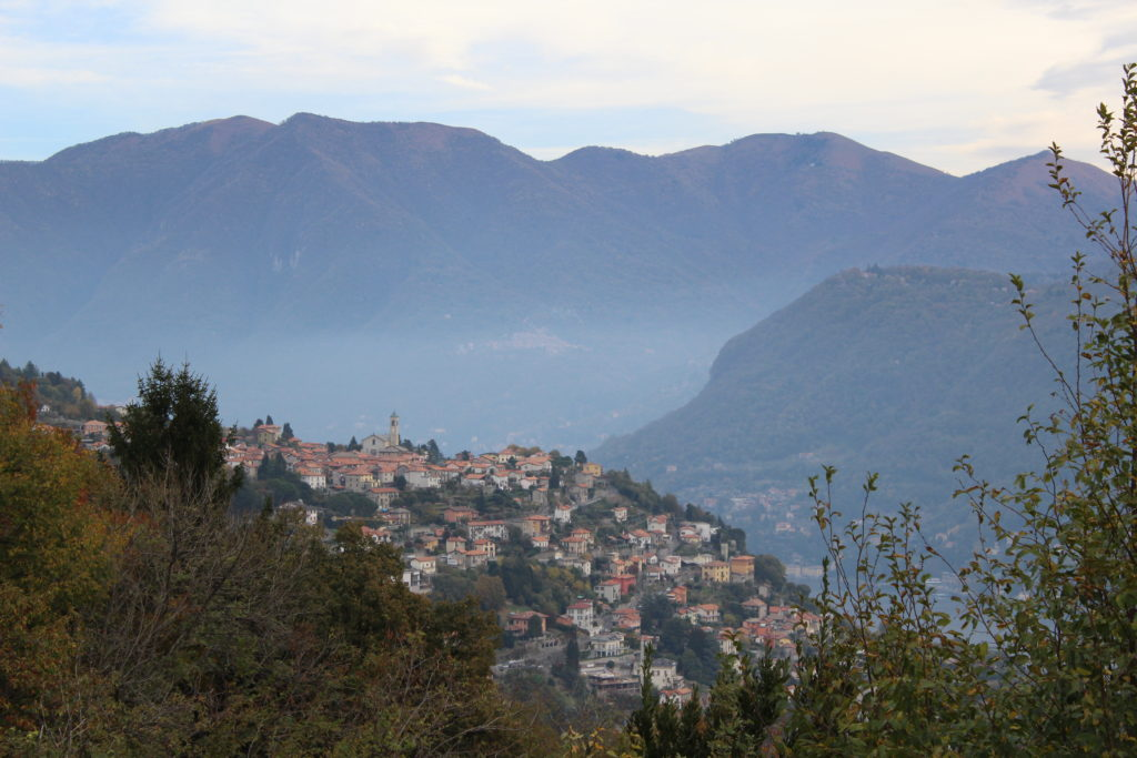View on the town of Rovenna from the road to Piazzola from Cernobbio.